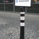 Flexibele parkeerplaatspaal gereserveerd